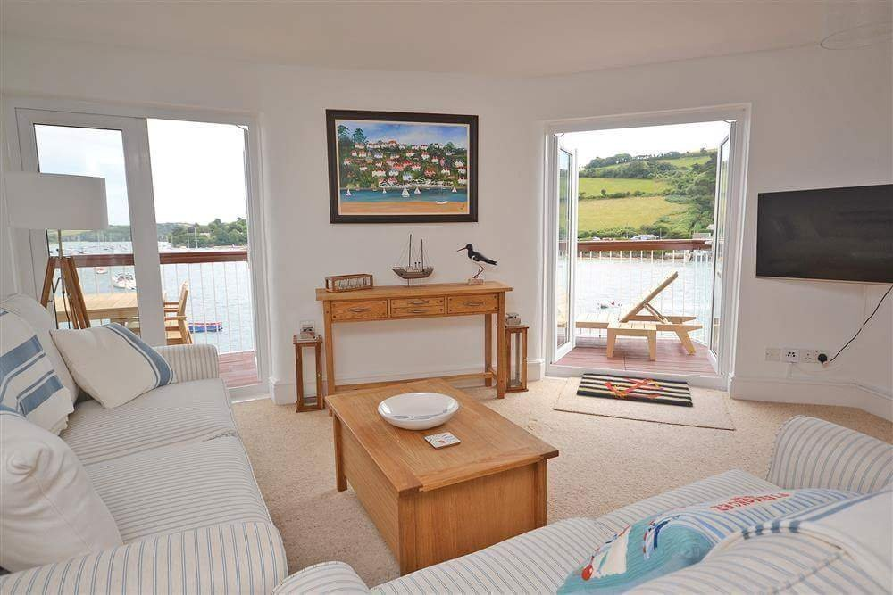 Salcombe holiday home refurbishment project at Apartment 38 at The Salcombe